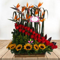 Arreglo floral Cali  Rosas y Girasoles